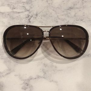 b0dda2c1a999 Tom Ford Accessories - Authentic Tom Ford Cyrille Aviator Sunglasses +